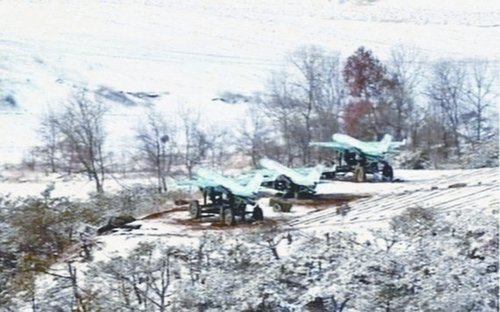 朝鲜首次公布无人机实战部署的照片。