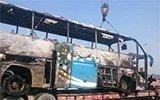 南京大客车自燃瞬间被烧成空架 45名乘客迅速转移
