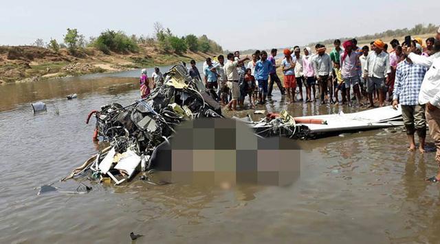 印度又发生坠机事件致两人死亡 40年坠毁1000架
