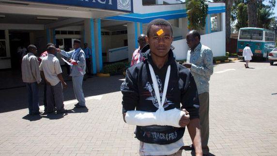 误将变压器爆炸当恐袭 肯尼亚大学踩踏致1死141伤