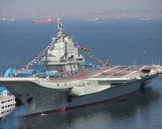 瓦良格号全舰焕然一新 舰员排练服役仪式