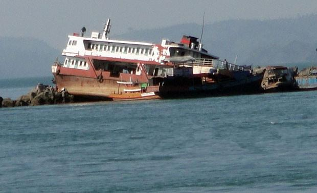 缅甸一艘渡轮倾覆近100名乘客死亡 仍有人失踪