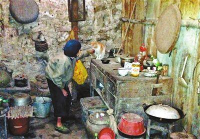 """""""麻风村""""最后村民:土地被承包 1个人被锁村内"""