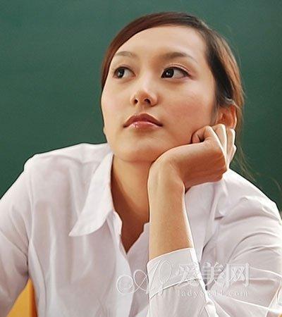 王祖贤素颜年轻依旧 想抗老女人快学3妙计