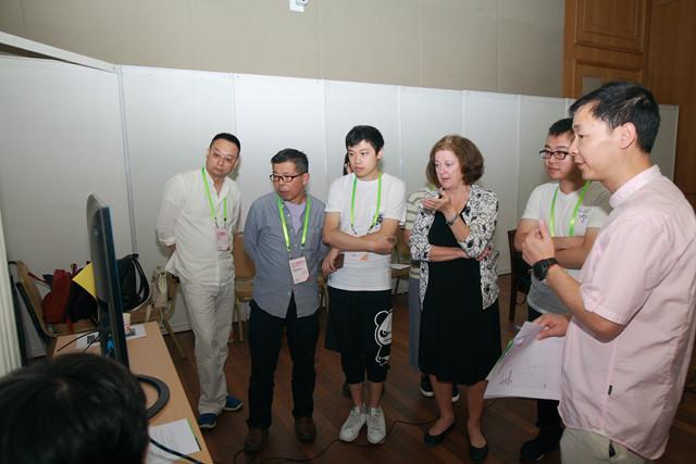 我们更喜欢看到你生活中真实的那一部分――常河谈上海第13届国际摄影艺术展览评选