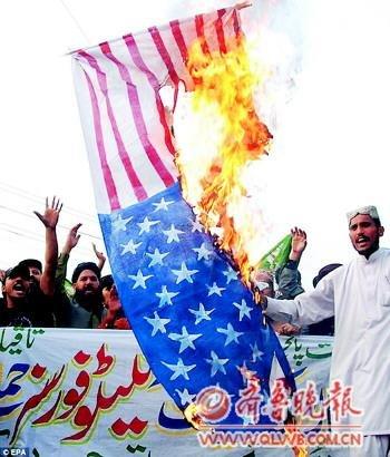 巴基斯坦永久封锁北约补给线 美国承诺调查真相