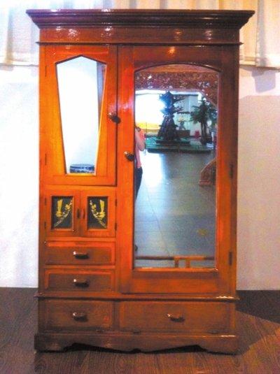 李長春自製傢具進紫檀博物館 曾伴其40餘年(圖)