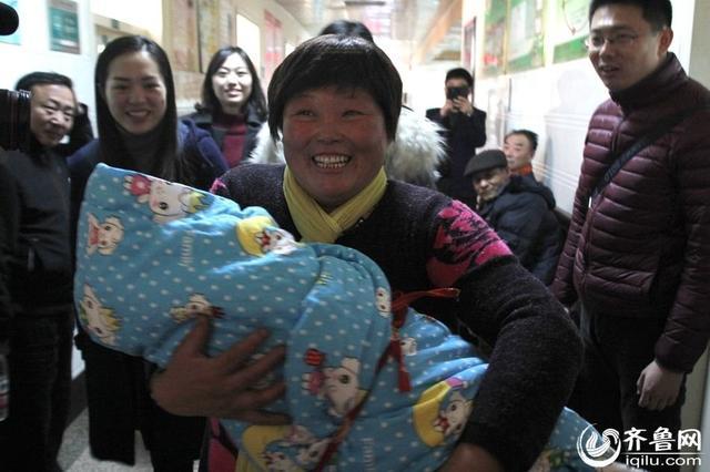 42岁失独母亲再生育 顺利诞下7.8斤男婴(图)