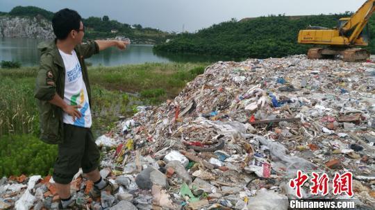 苏州出动52艘船、9辆挖掘机清空万吨上海垃圾