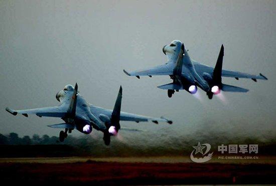 中国空军一架苏27战斗机坠毁 2名驾驶员牺牲