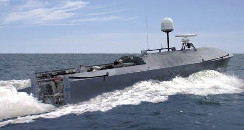 美国军工企业用无人机远程控制技术制成无人艇
