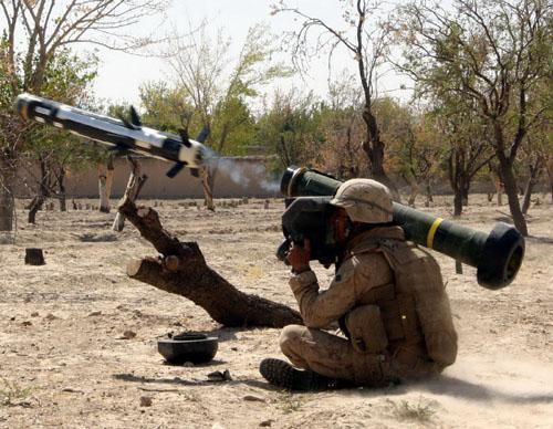 """中国装备红箭12导弹 发射后不管媲美""""标枪"""""""