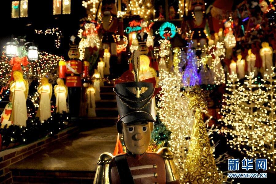 纽约戴克高地绚烂多彩迎圣诞这是12月16日拍摄的美国纽约布鲁克林