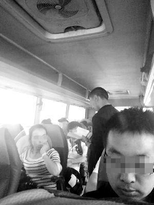 记者暗访黑1日游:100元揽客上车后再收160元