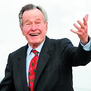 美国前总统老布什因呼吸问题送医7天后出院