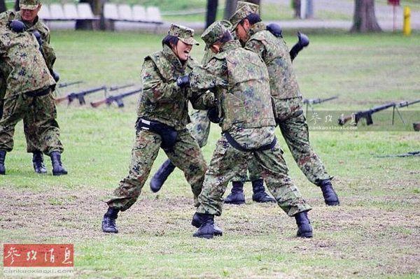 自卫队有上万女兵?多数当牙医 营养好普遍发福