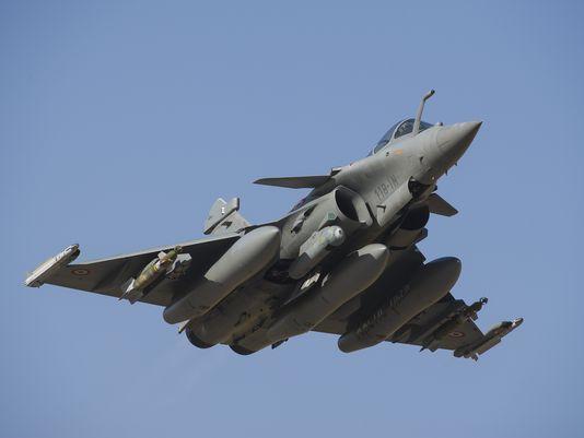 莫迪宣布采购36架法国阵风战机 单价1.3亿美元