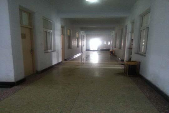 河南尉氏县城管局仅几人上班 局长办公室房门紧锁