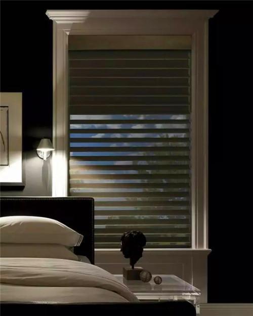 如此有质感的百叶窗 让照进来的阳光都显得特别