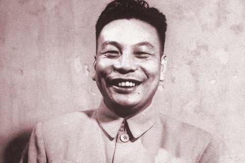蒋经国开放报禁党禁拒绝特务抓人和阻挡
