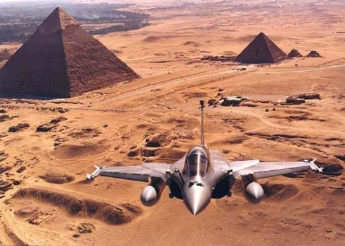 阵风战机与台风战机竞争印度空军120亿美元订单