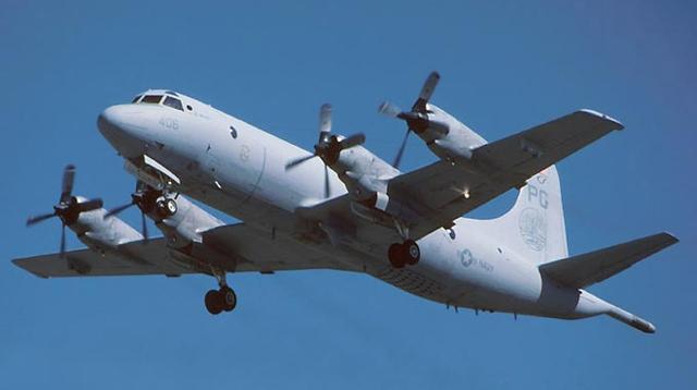 中美军机南海上空仅305米 美官员称非故意接近