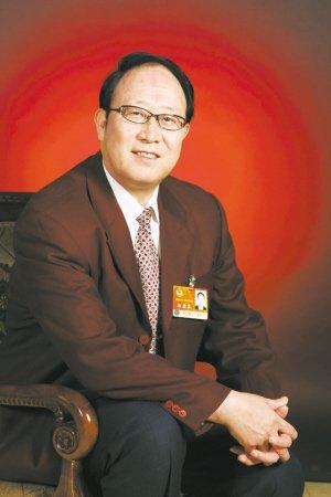河北委员:公共体育设施应免费向老年人开放