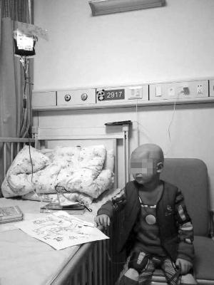 夫妻生二胎救白血病儿子失败 小儿还患颌面畸形