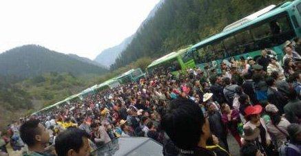 九寨沟游客被堵3小时 武警出动维持秩序(图)