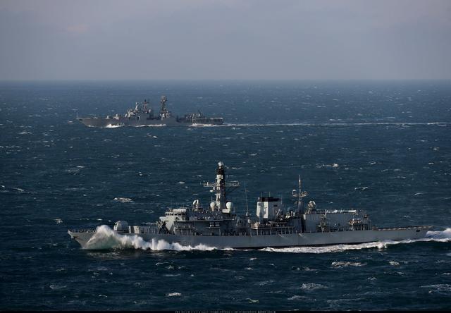 """俄大型驱逐舰驶入英吉利海峡:英舰""""礼貌""""监视"""