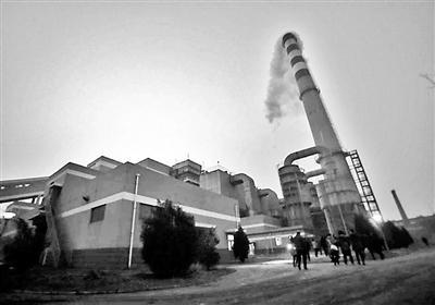 市环境监察总队在观音寺供热厂执法检查