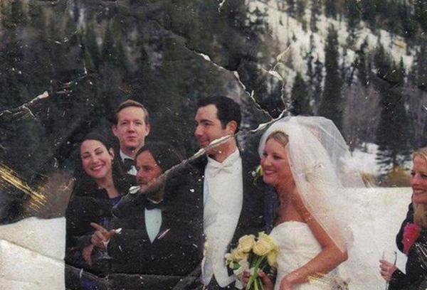 """美国女子13年后找到""""9·11""""废墟婚礼照主人"""