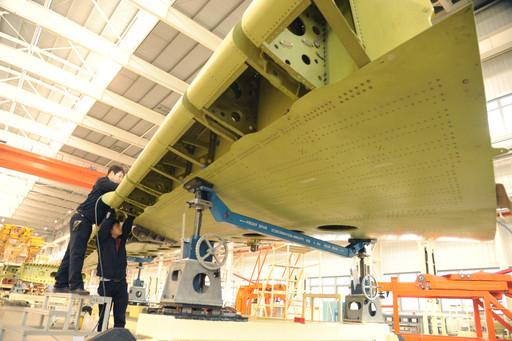 料图:C919客机机翼-C919复合材料应用获突破图片