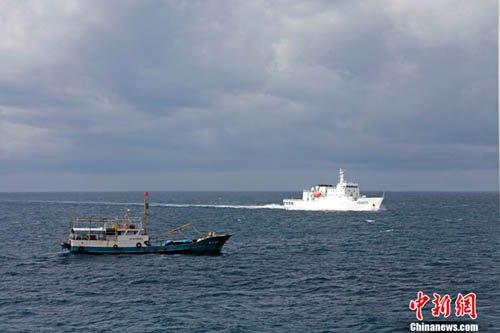 """菲律宾警告中国史上最大南沙编队勿""""侵犯"""""""