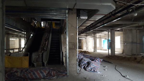 武汉百年建筑被拆成最牛违建 消防难管称有后台