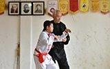 七旬老人练螳螂拳60年 学生遍布全世界