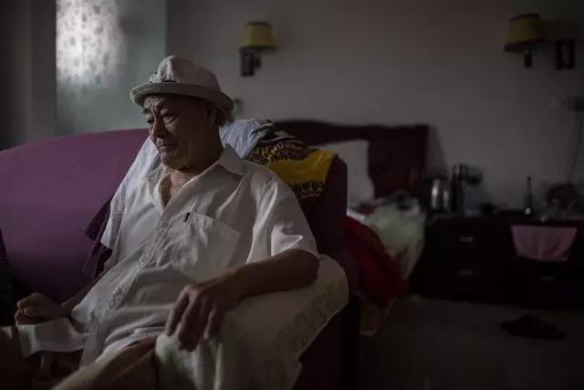 高治楼是陕西榆林人,曾经患有膀胱癌的他,手术后来到巴马。