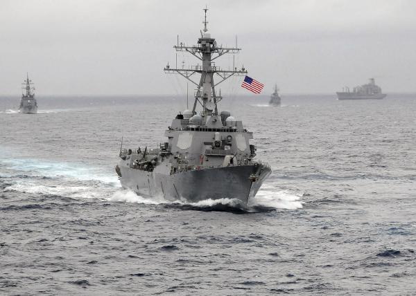 中方召见美驻华大使抗议美军舰巡航南海岛礁