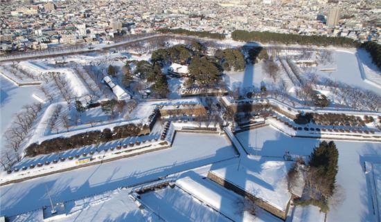 唯美雪景下 日本是如何除雪的?
