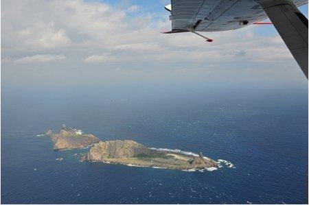 中国海监飞机抵钓鱼岛领空开展海空立体巡航