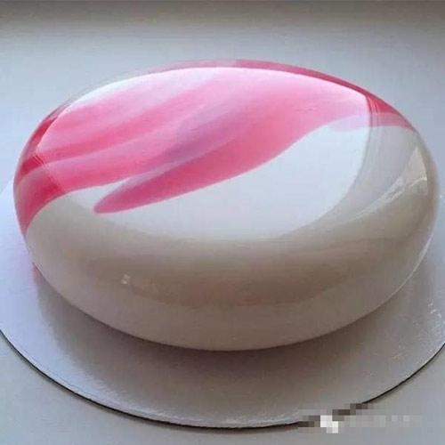 美到无从下嘴 俄罗斯镜面蛋糕走红中国网络