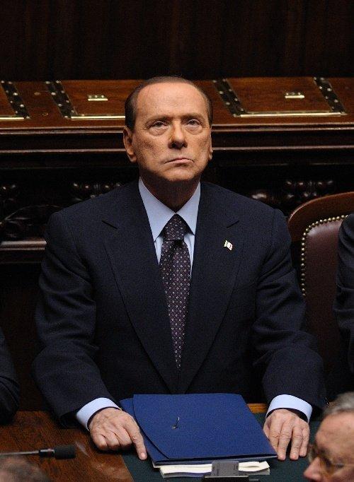 贝卢斯科尼宣布将辞职 分析称难说利好欧债危机