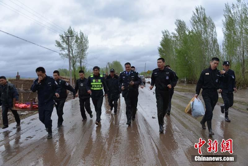新疆额敏县突降暴雨引发洪水 多地受灾2015.4.28 - fpdlgswmx - fpdlgswmx的博客
