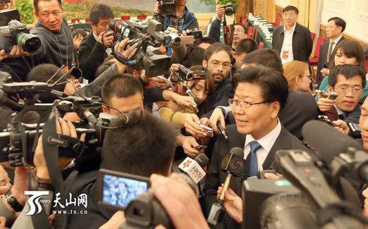 张春贤:通过现代信息化手段提升新疆治理能力