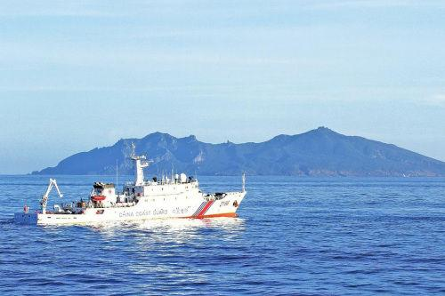 中国海警编队5月2日在中国钓鱼岛领海巡航