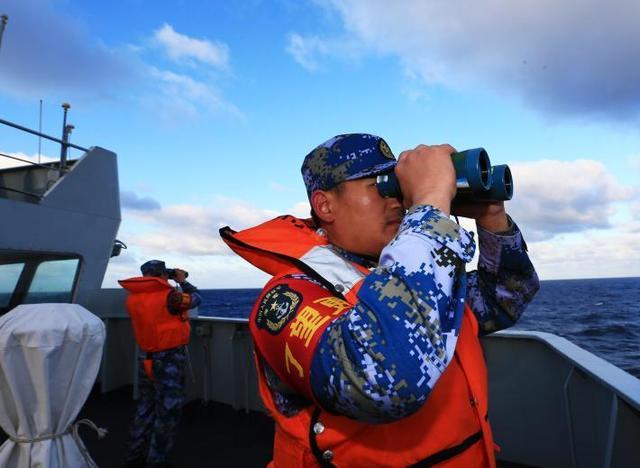 我国海军编队抵南印度洋搜救 三舰平行搜索