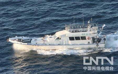 """7月4日,台湾渔船""""全家福""""驶入钓鱼岛附近海域。"""