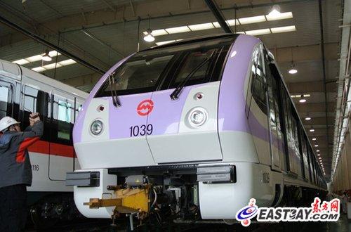 """沪地铁10号线喜迎""""庞然大物"""" 之后或轮到6号线"""