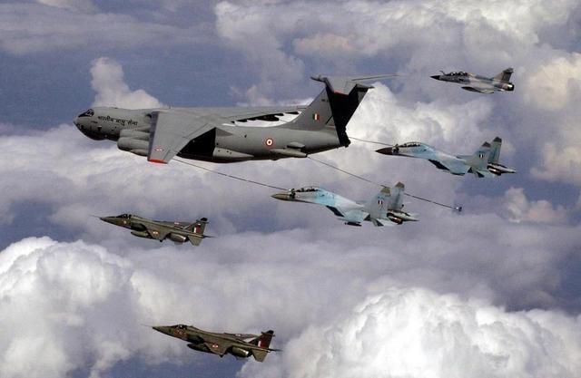 印军决定购6架加油机 部署中印边境应对解放军