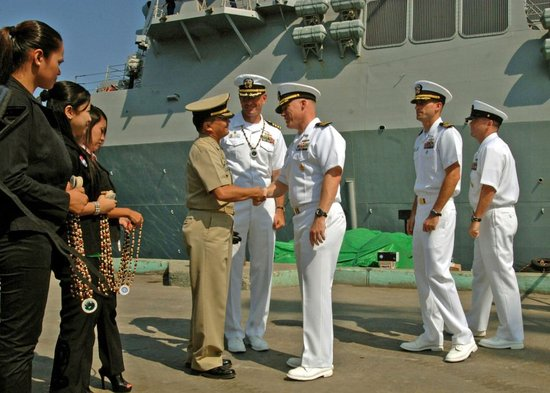 卡内基基金会:美偏袒菲律宾和越南加剧南海紧张